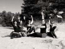 Jorunn, Anika, Charlotte, Kajsa and Nicola on the beach