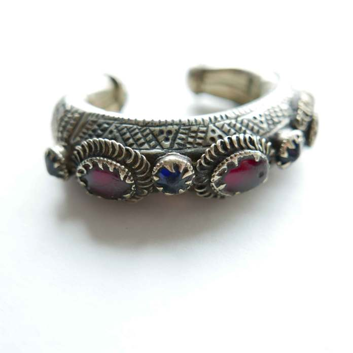 bracelet-kuchi-horseshoe-stones-1-detail